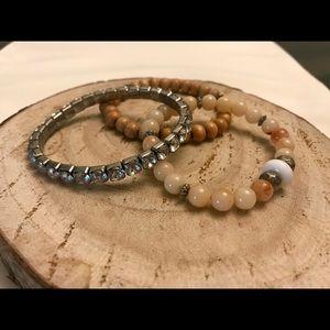 🌟2/$15, 3/$18, 4/$20🌟Loft brand bracelet set